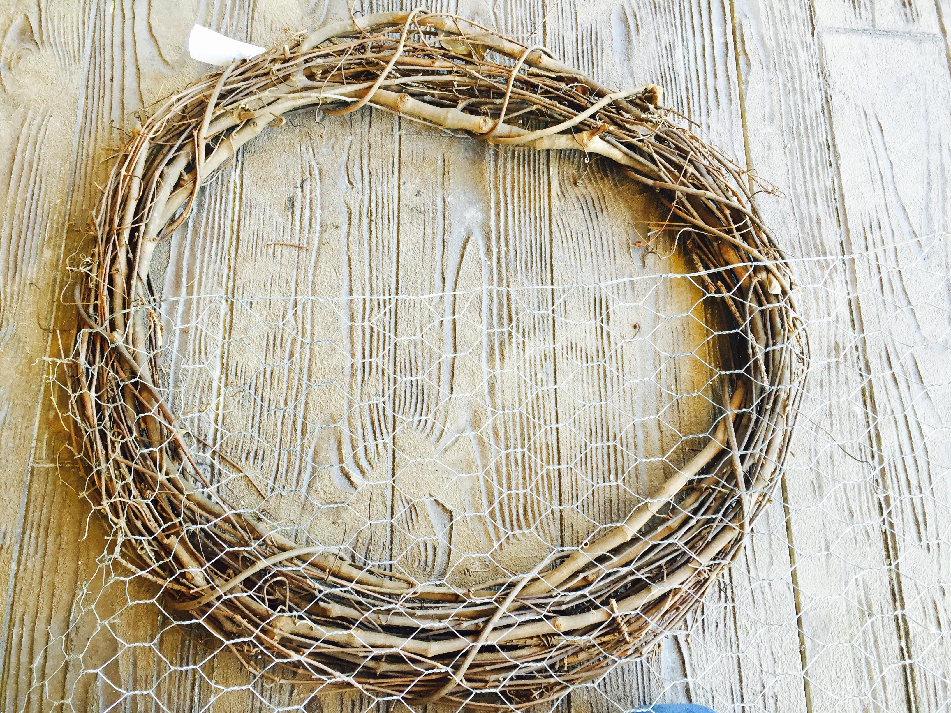 DIY Grapevine Hanging Basket | Wyoming Love